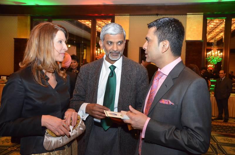 Dr. Harsha Gramminger (EUAA), Dr. Madan Thangavelu (Research Council for Complementary Medicine, Großbritannien), indischer General-Konsul Raveesh Kumar